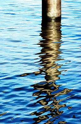 Lucy Cooper - River Thames Reflection
